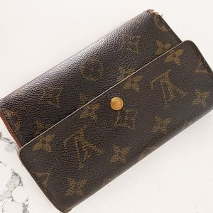 Authentic Louis Buitton full size Wallet